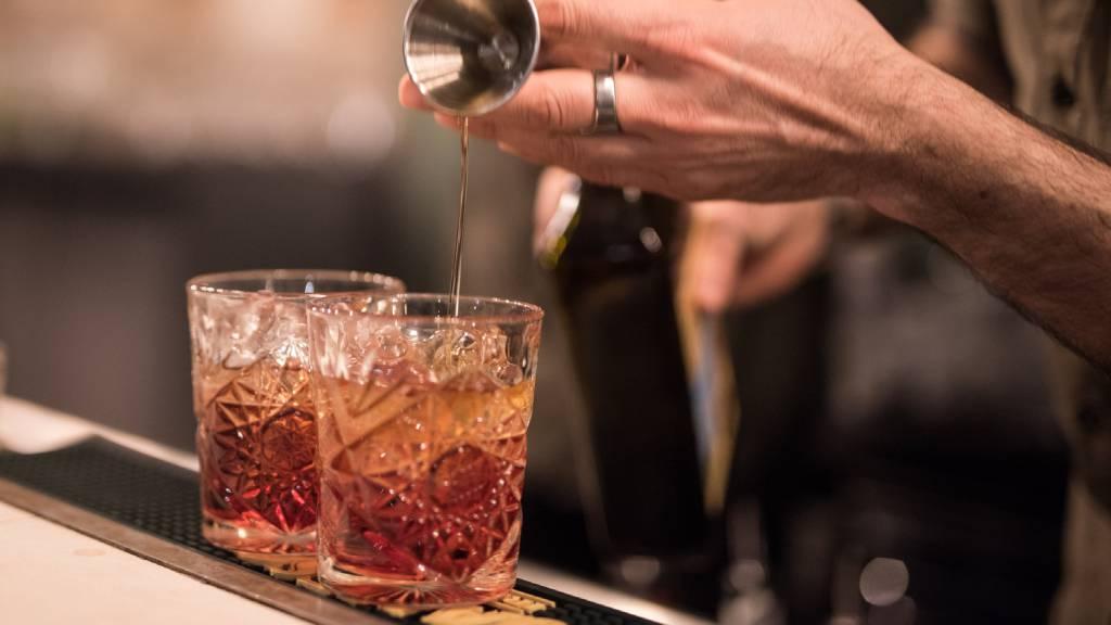 Restaurant-La-Flaca-Rome-barman-100